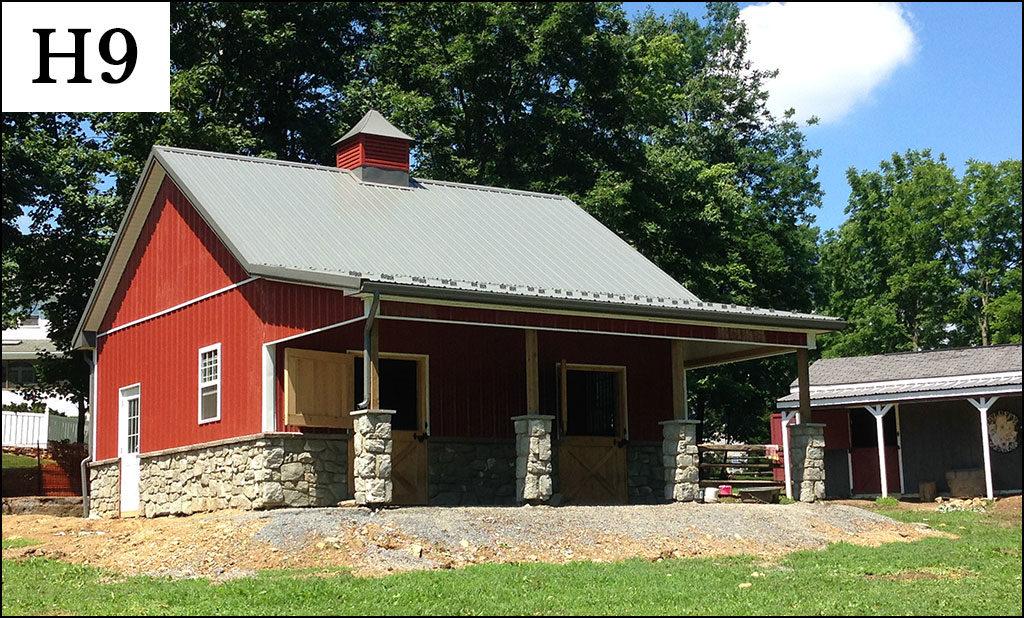 custom horse barn h9