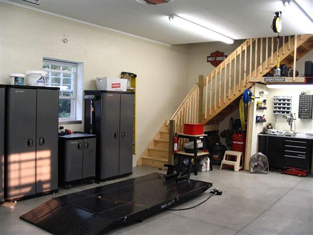 finished garage interio