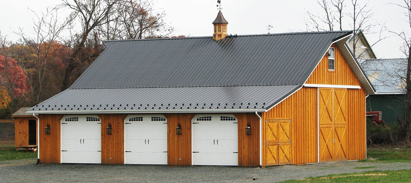 Pole barns pole buildings by conestoga buildings for Barns garages